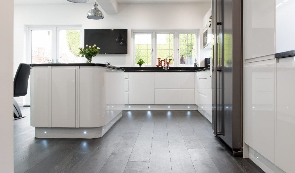 A new kitchen design and Deco Midnight Mist wood floors creates ...