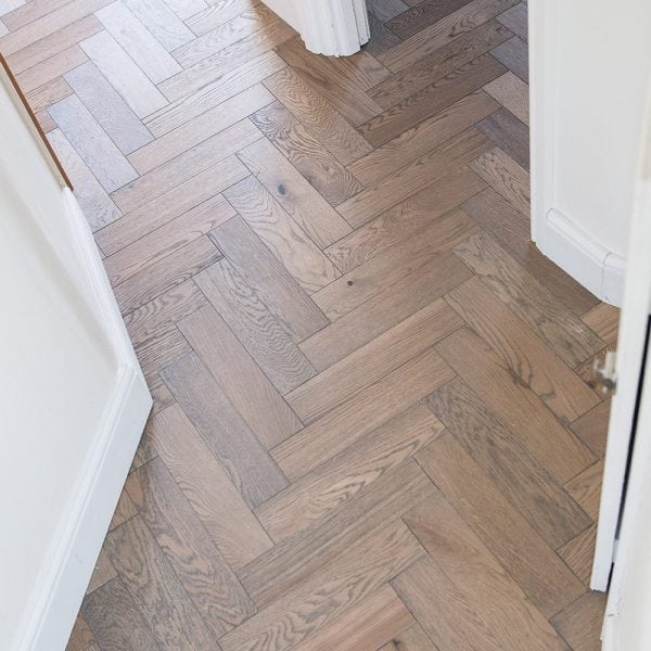 V4 WOOD FLOORING ZIGZAG ZB101