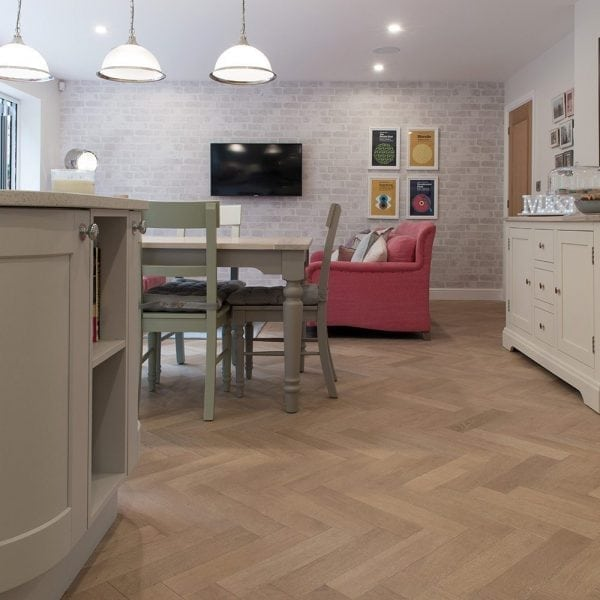 V4 WOOD FLOORING ZIGZAG ZB102