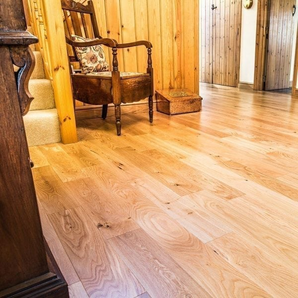 V4 Wood Flooring Eiger Petit