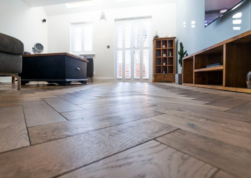 zigzag frozen umber oak floors in manchester home 12