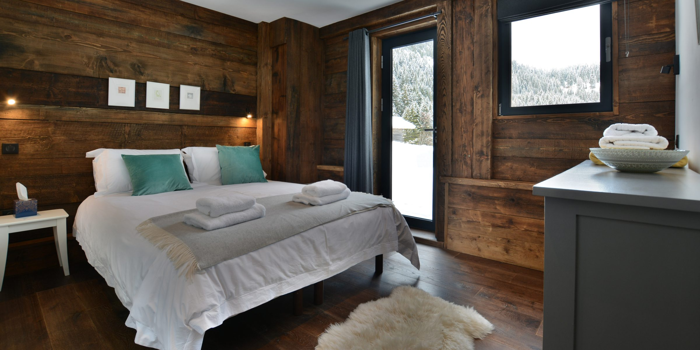 Ski chalet with urban nature wood floors 1