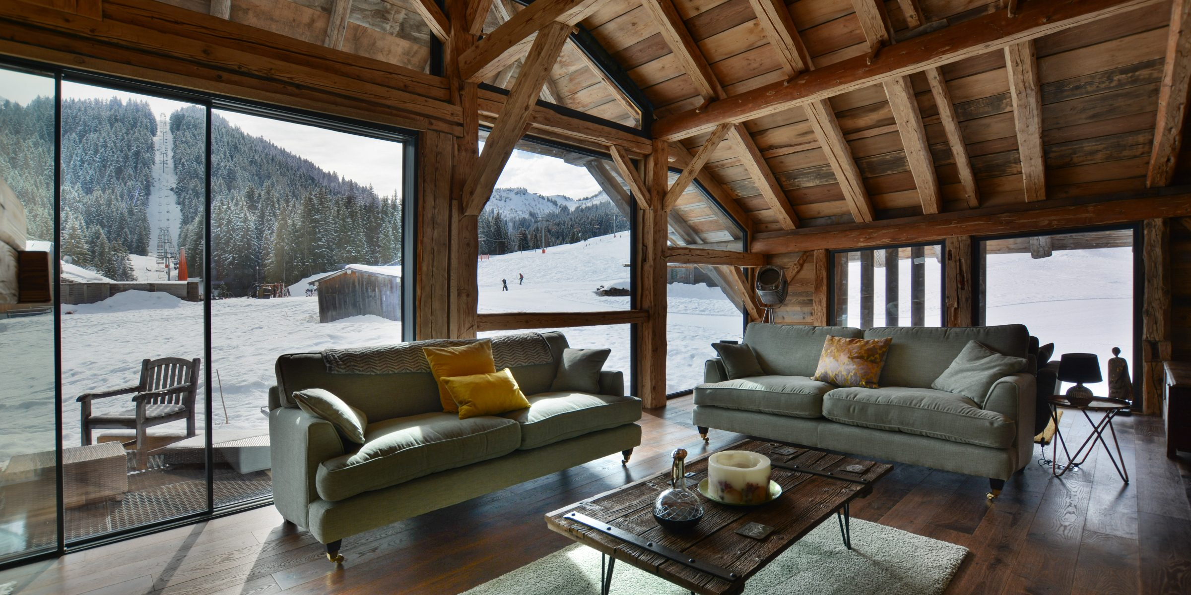 Ski chalet with urban nature wood floors 13