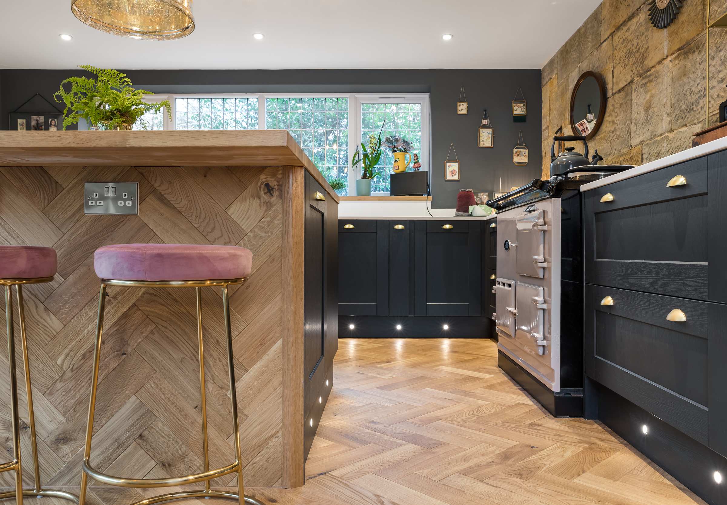 V4 ZB109 herringbone wood floors
